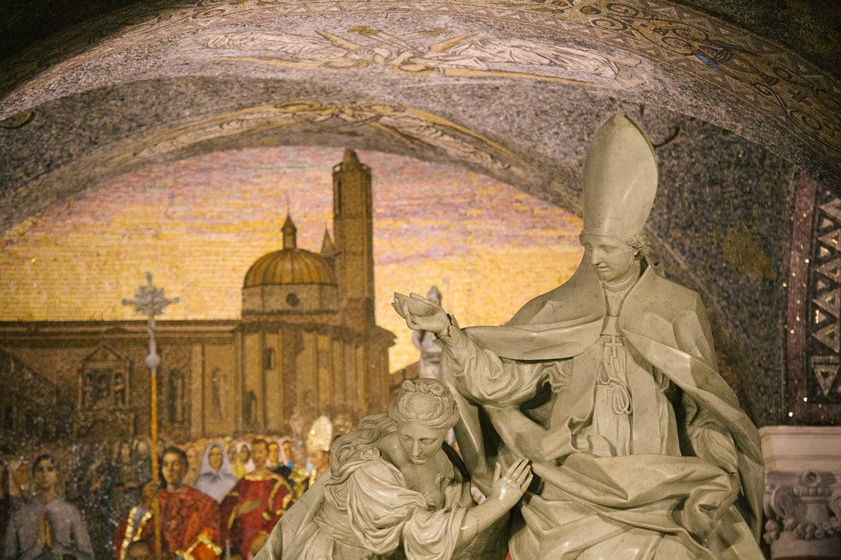 Visit Ascoli la Cripta del Duomo - statua Sant'Emdiio