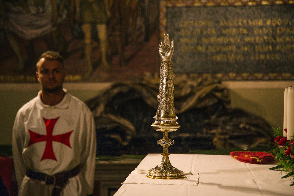 Visit Ascoli la Cripta del Duomo