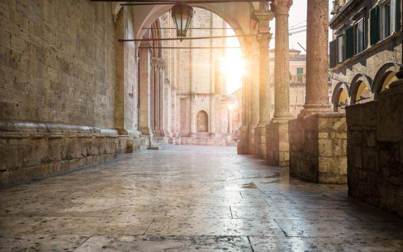 Un angolo d'arte e storia ad Ascoli Piceno: la Loggia dei Mercanti