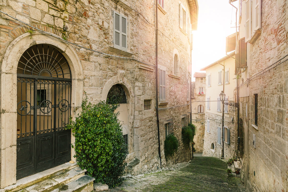 Visit Ascoli scorcio quartiere Piazzarola
