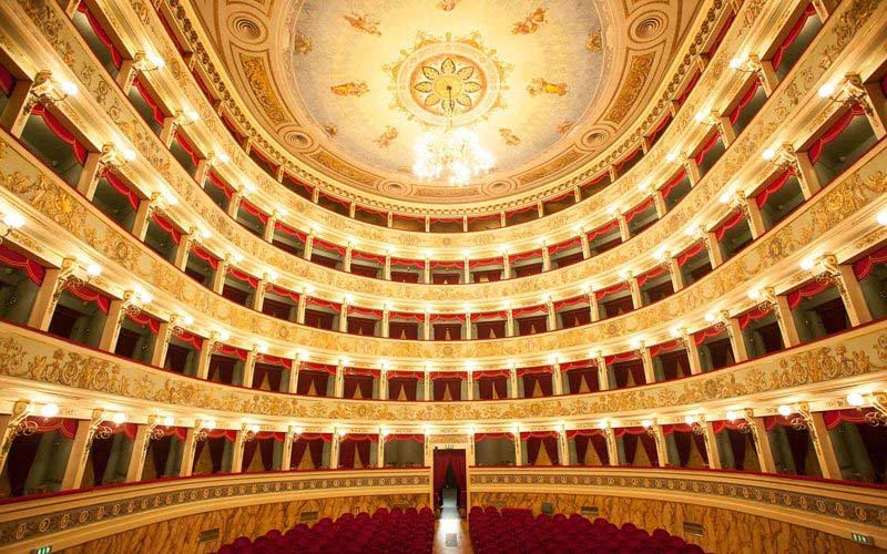 Places to see in Ascoli Piceno: Teatro Ventidio Basso