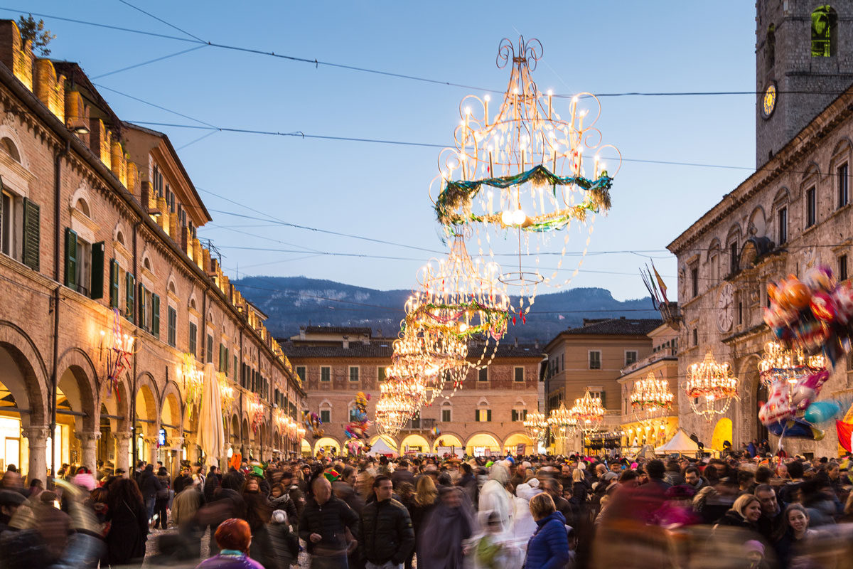 The 10 activities not to miss; art, folklore, food and wine