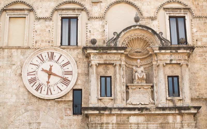 Itinerari archeologici ad Ascoli Piceno: Palazzo dei Capitani
