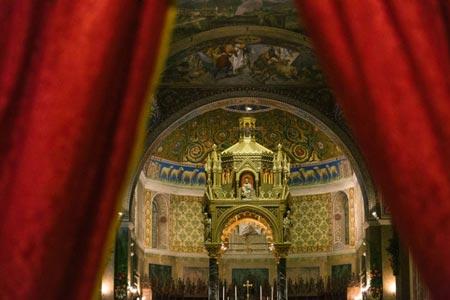 Visit Ascoli scorcio interno Duomo di Sant'Emdiio