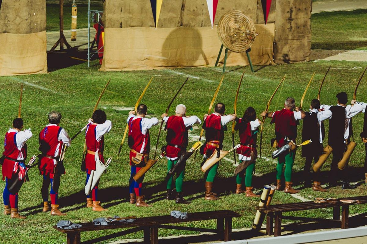 VisitAscoli-Esperienze_gli-arcieri-si-preparano-alla-conquista-del-Palio