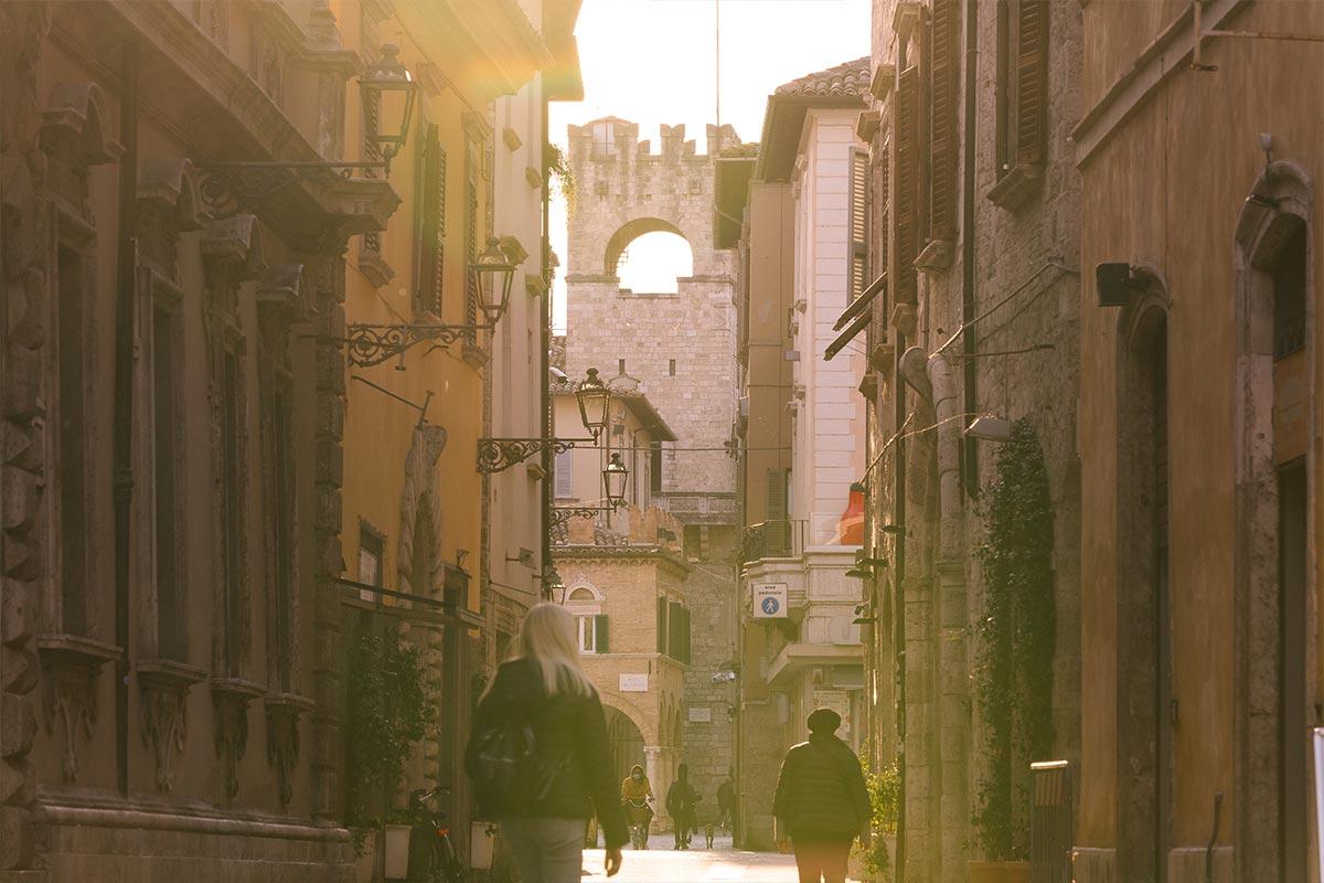 VisitAscoli-Esperienze-una-passeggiata-fra-i-Sestieri-della-Quintana